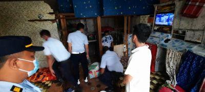 Pasca Pengungkapan Kasus Besar Narkoba, KPLP Lapas IIA Lakukan Razia Kamar Napi